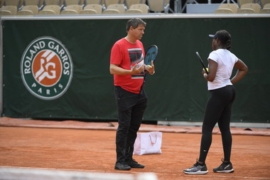 Sloane Stephens and coach Sven Groeneveld during practice