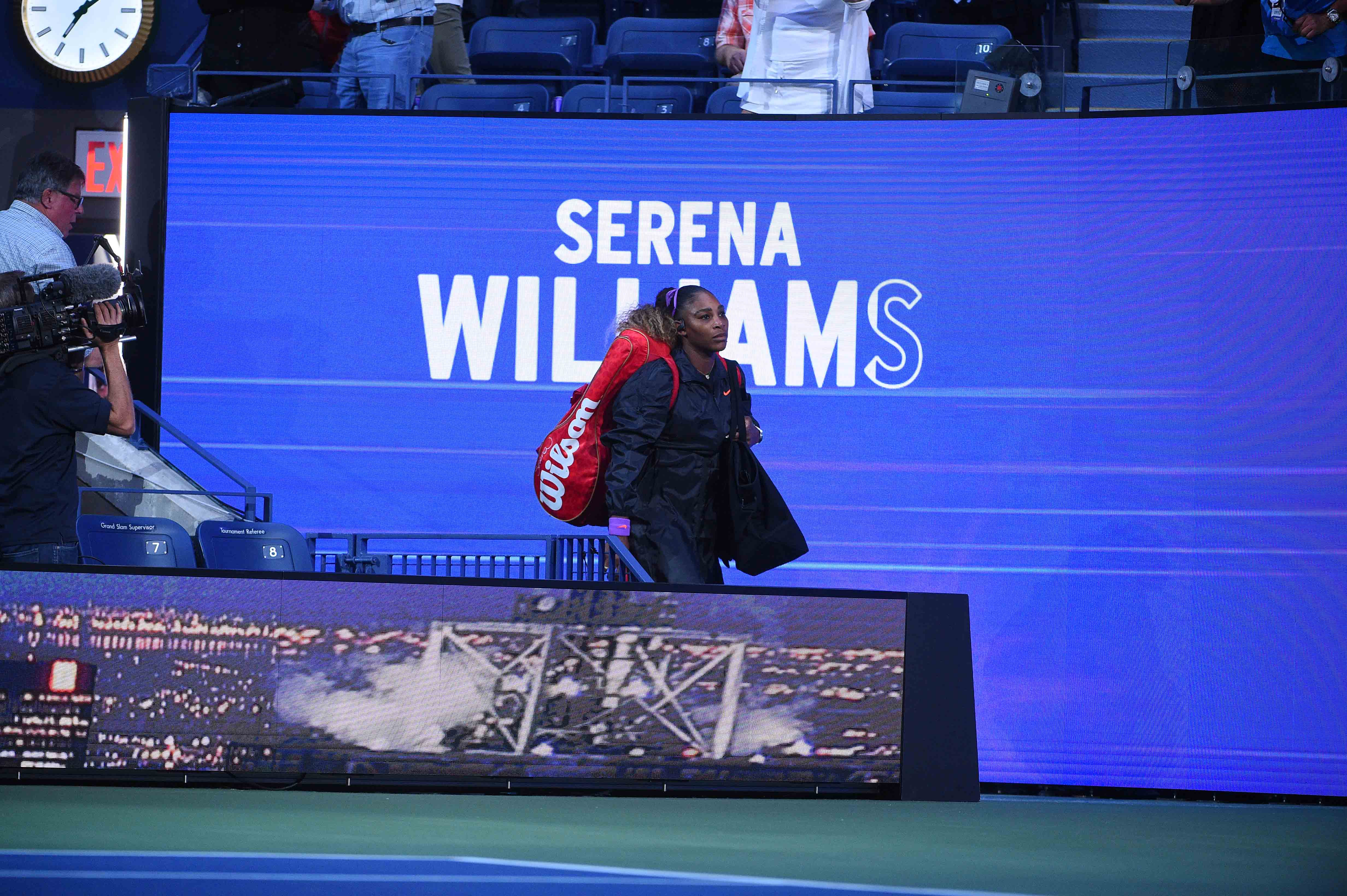Serena Williams walking on the court at the 2019 US Open