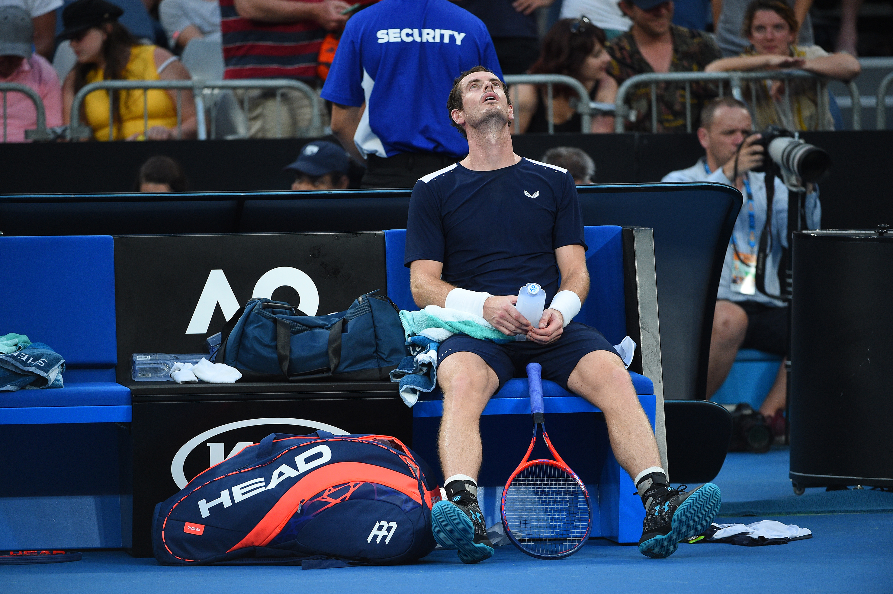 Andy Murray looking at the sky at the Australian Open 2019