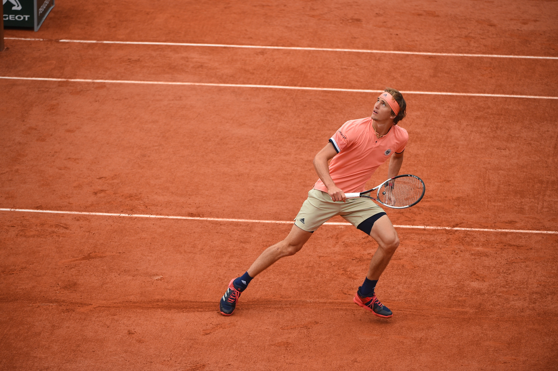 "Alexander ""Sascha"" Zverev defending on the Roland-Garros 2018 clay"