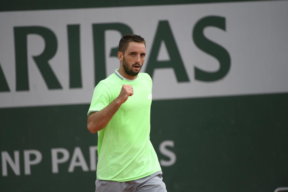 Viktor Troicki in first-round qualifying at Roland-Garros © Julien Crosnier / FFT