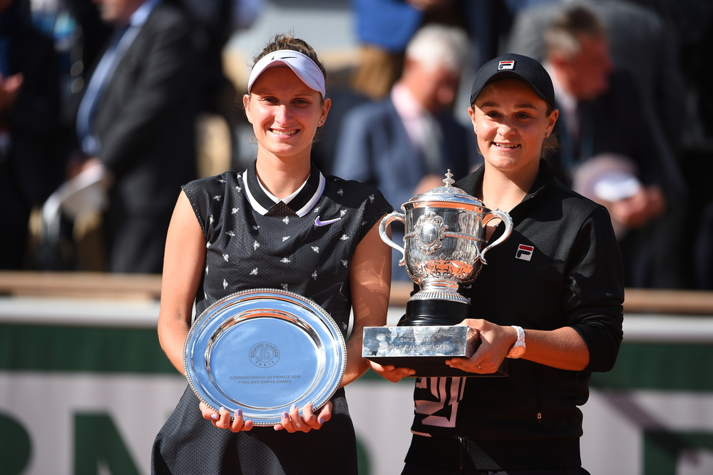 Barty Vondrousova trophies final Roland Garros 2019