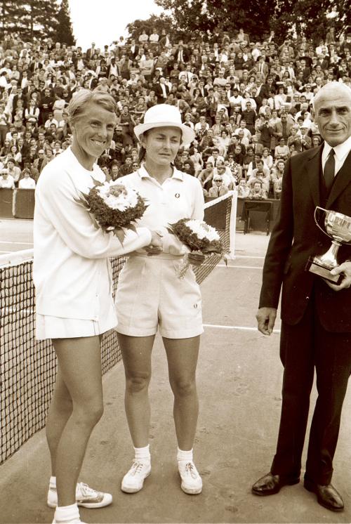 Nancy Richey Ann Haydon-Jones Roland-Garros 1968 Roger Cirotteau