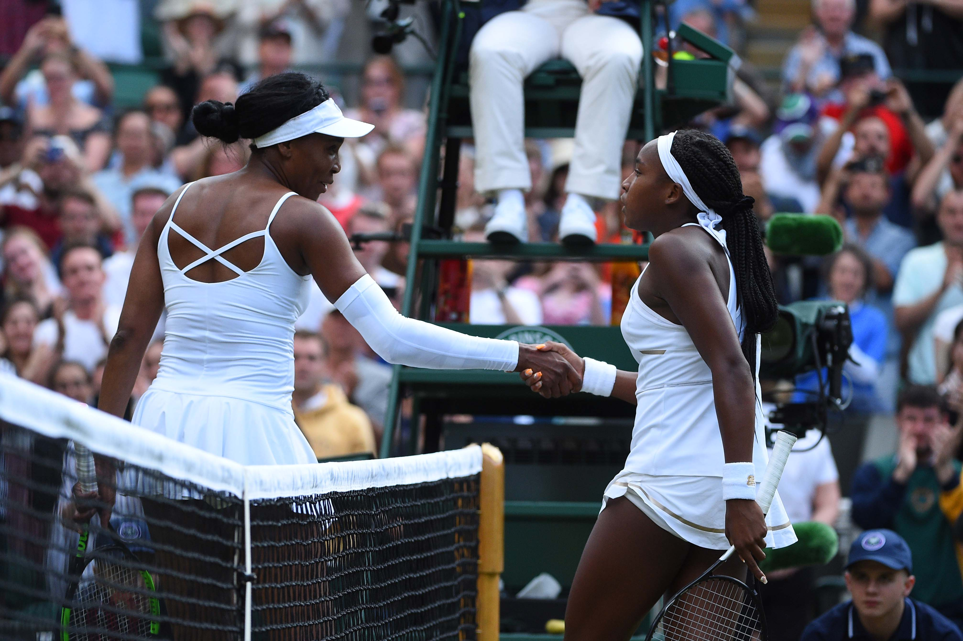 Handshake between Venus Williams and Cori Gauff at Wimbledon 2019