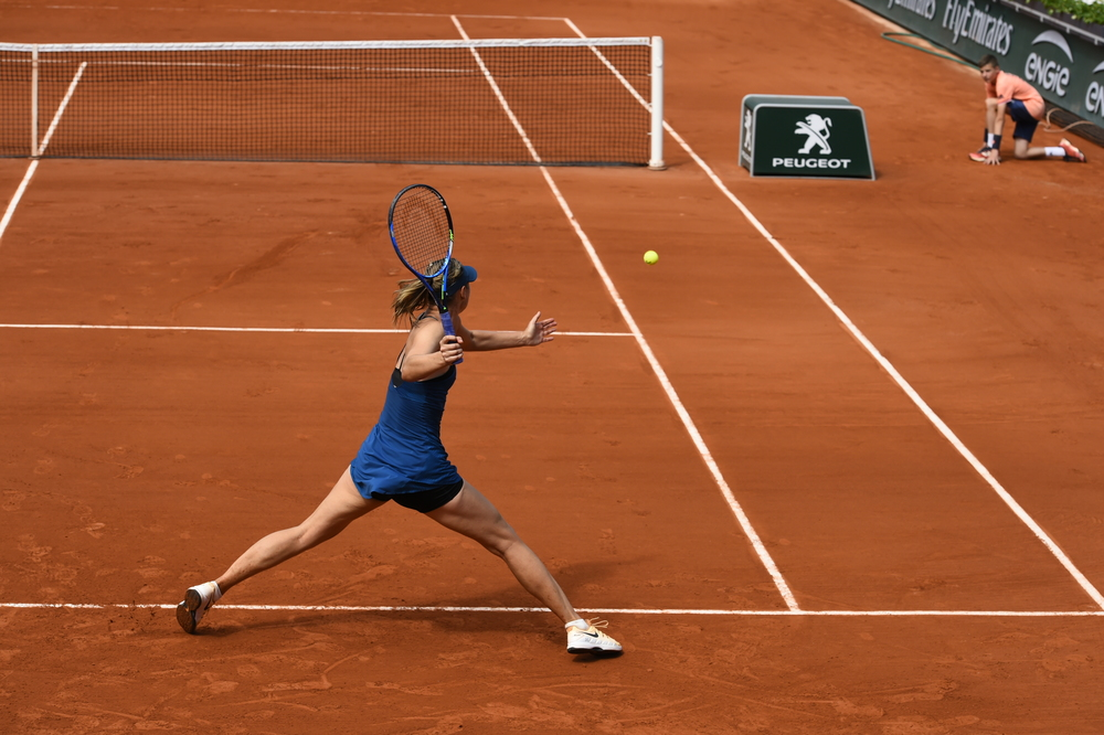 Sharapova survives three-set battle - Roland-Garros - The ...