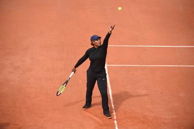 Serena Williams practises at Roland-Garros  © Corinne Dubreuil / FFT