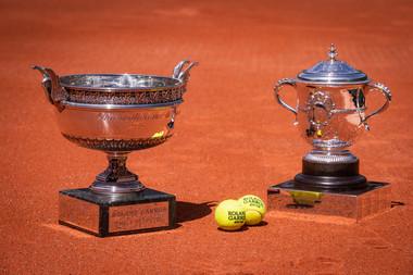 Trophées / trophies Roland-Garros coupe Mousquetaires et Suzanne-Lenglen.