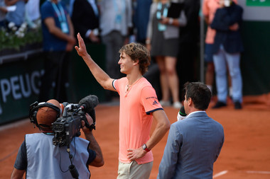 Alexander Zverev wins first round match at Roland-Garros 2018.